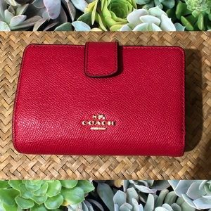 🍒COACH med. Corner Zip Wallet Crossgrain Leather